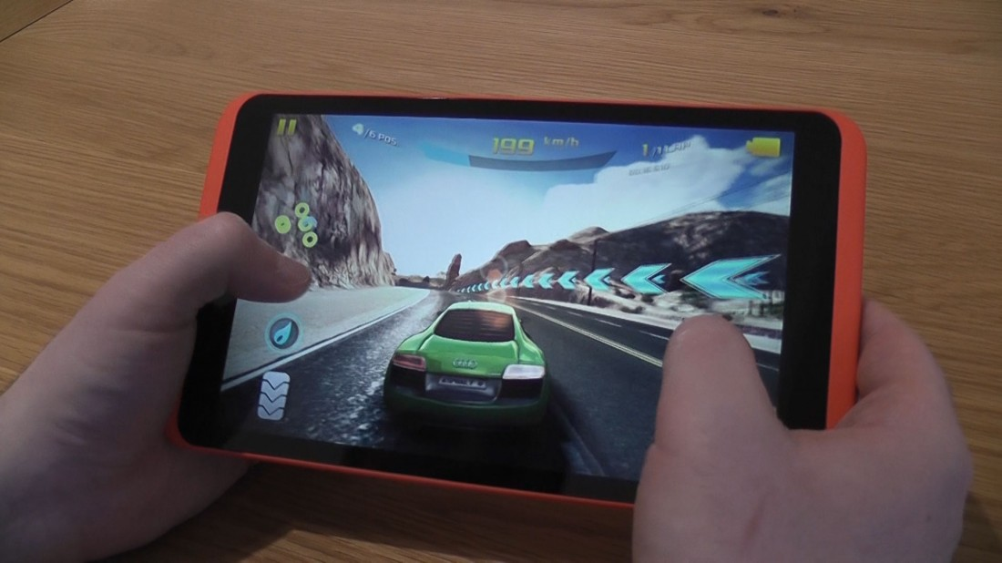 Asphalt 8 on hudl 2
